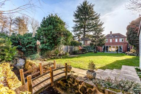 Bentley Way, Stanmore, HA7. 4 bedroom detached house