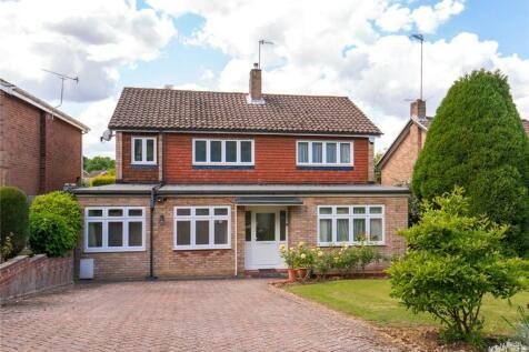 Paynesfield Road, Bushey Heath, Bushey, Hertfordshire, WD23. 4 bedroom detached house for sale