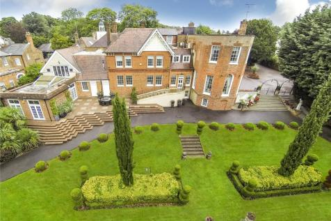 Stanmore Hill, Stanmore, HA7. 7 bedroom detached house