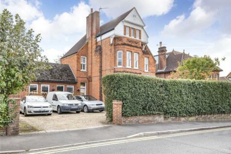 Bushey Hall Road, Bushey, WD23. 6 bedroom detached house for sale