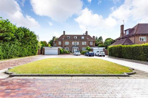 The Common, Stanmore, HA7. 6 bedroom detached house