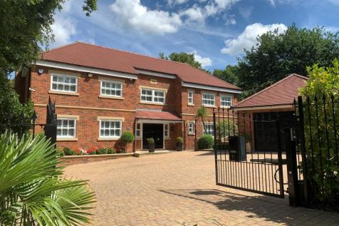 Fulmer Drive, Gerrards Cross, Buckinghamshire. 6 bedroom detached house for sale