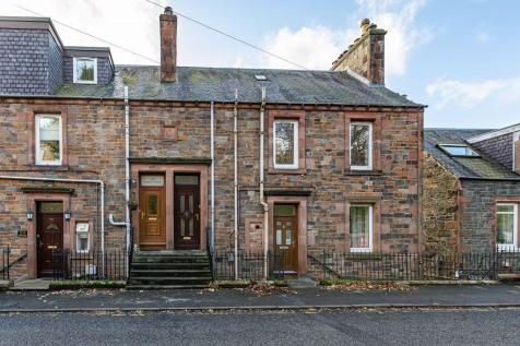 202 Magdala Terrace, Galashiels, TD1 2HY. 3 bedroom maisonette for sale