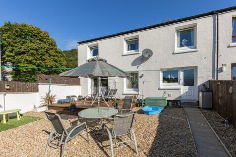 1 Brier Lane, Galashiels, TD1 2LT. 3 bedroom end of terrace house