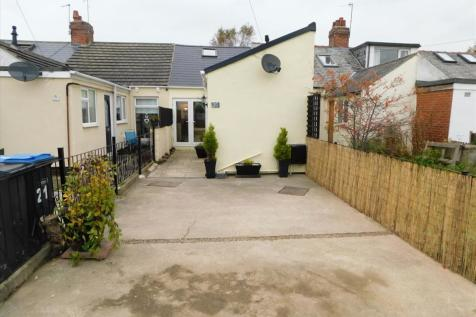 GARDEN AVENUE, FRAMWELLGATE MOOR, Durham City, DH1 5EQ. 1 bedroom terraced house for sale