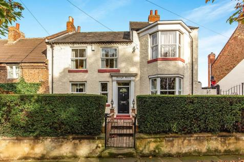 Haughton Green, Darlington, Durham, DL1. 6 bedroom semi-detached house for sale