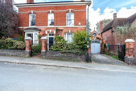 Belvidere Road, Highgate Walsall. 5 bedroom detached house