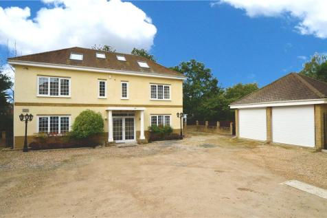 Alison Close, Eastcote, Pinner, Middlesex, HA5. 6 bedroom detached house