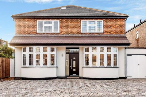 Cranley Drive, Ruislip, Middlesex, HA4. 5 bedroom detached house for sale