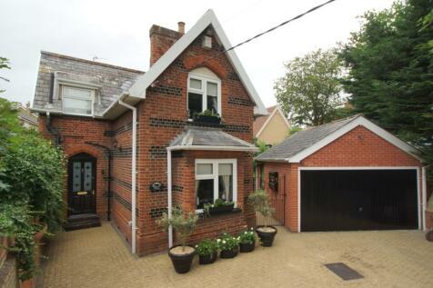 Newton Road, Sudbury, Suffolk, CO10. 3 bedroom detached house