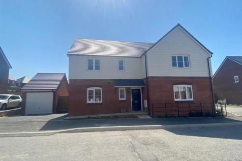 The Durrington, Oxford Road, Calne. 4 bedroom detached house