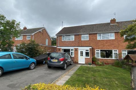 The Rise, Calne. 4 bedroom semi-detached house