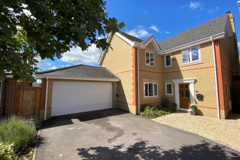 Quemerford, Calne. 5 bedroom house