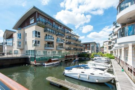 Marina Place, Hampton Wick, Kingston upon Thames. 2 bedroom apartment for sale