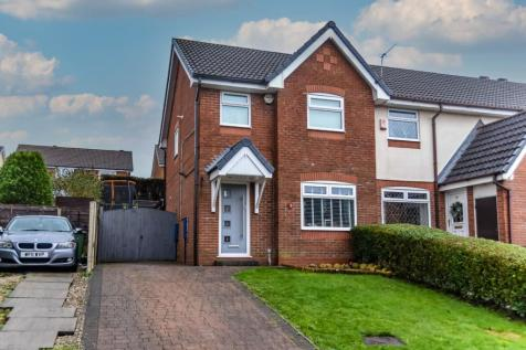 Higher Fullwood, Oldham, Greater Manchester, OL1. 3 bedroom house for sale