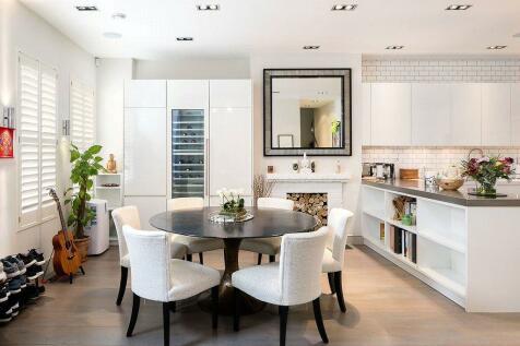 Laverton Mews, Earls Court, London, SW5. 2 bedroom house for sale