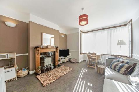 Davenport Road, London, SE6. 2 bedroom apartment