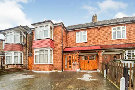 Callander Road, London, SE6. 4 bedroom semi-detached house for sale