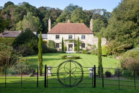 Manor Farm House, Dinton. 8 bedroom country house for sale
