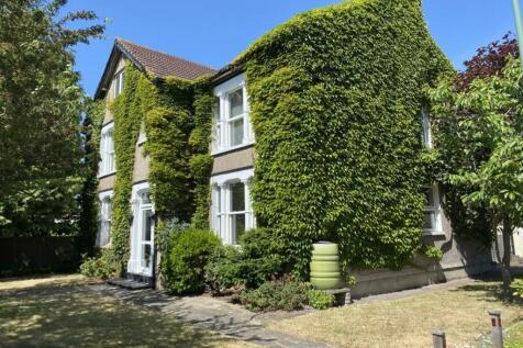 Brentfield Road, Dartford, DA1. 7 bedroom detached house