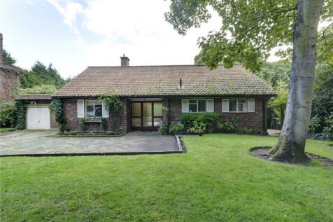 Coombe Lane West, Kingston upon Thames, Surrey, KT2. 3 bedroom bungalow for sale