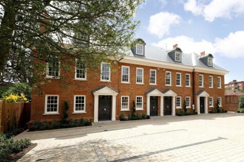 George Road, Kingston upon Thames, Surrey, KT2. 5 bedroom house