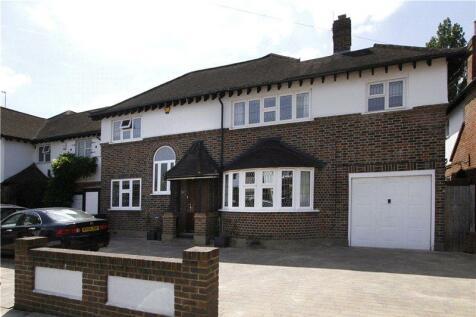High Drive, New Malden, Surrey, KT3. 4 bedroom house