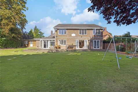 Wonford Close, Kingston Upon Thames, Surrey, KT2. 5 bedroom house