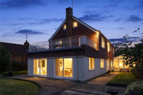 Coombe Hill Road, Kingston upon Thames, Surrey, KT2. 5 bedroom detached house for sale