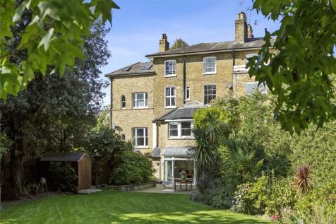 Kingston Hill, Kingston upon Thames, Surrey, KT2. 7 bedroom terraced house for sale