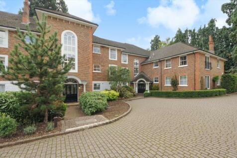 Agincourt, Ascot, Berkshire, SL5. 2 bedroom flat