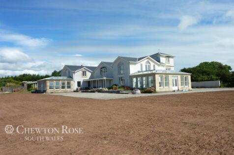 Llansteffan, Carmarthenshire. 5 bedroom detached house for sale
