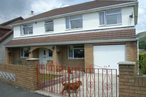 Darren View, Maesteg, Bridgend County Borough, CF34 9SG, South Wales - Detached / 4 bedroom detached house for sale / £299,950
