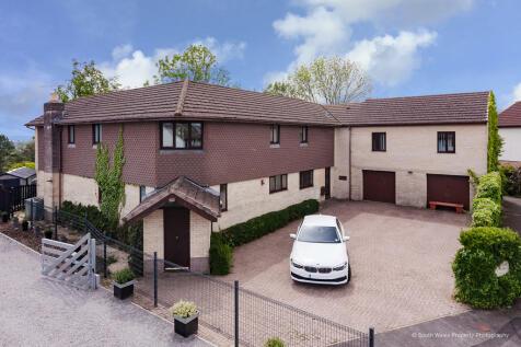 Sherwood House, 51 Angelton Green, Pen-Y-Fai, Bridgend, Bridgend County Borough, CF31 4LQ. 5 bedroom detached house