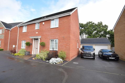 4 Clos Y Gog, Bridgend, Broadlands, Bridgend County Borough, CF31 5FP. 4 bedroom detached house