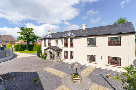 Broadlands Fawr Farmhouse, Wild Field, Broadlands, Bridgend, Bridgend County Borough, CF32 0NS. 5 bedroom detached house