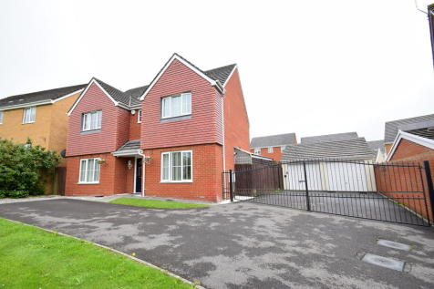1 Heol Y Fronfraith Fawr, Broadlands, Bridgend, Bridgend County Borough, CF31 5FR. 4 bedroom detached house