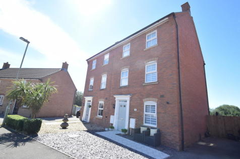 304 Longacres, Brackla, Bridgend, Bridgend County Borough, CF31 2DJ. 4 bedroom semi-detached house