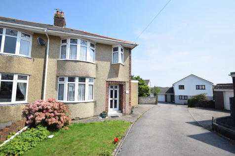 20 Priory Close, Bridgend, CF31 3LW. 3 bedroom semi-detached house