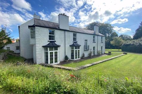 Johnston, Haverfordwest. 9 bedroom detached house for sale