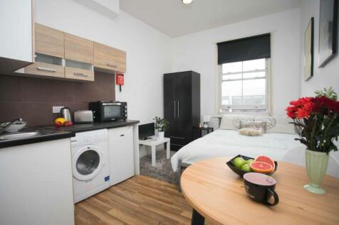 Brent Street, Hendon, NW4. Studio flat