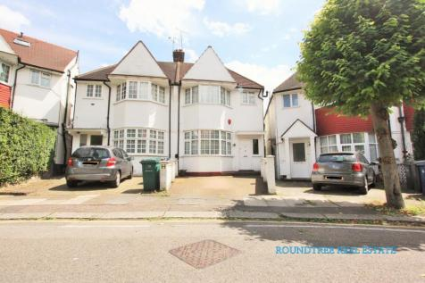 Clifton Gardens, Temple Fortune, NW11. 1 bedroom flat