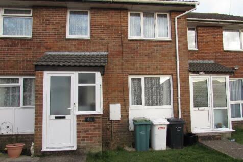Ash Close,Carisbrooke,Newport,PO30. 3 bedroom terraced house