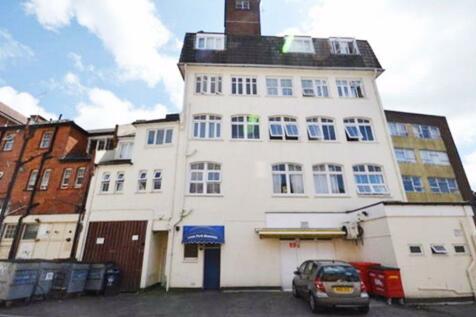 LORNE PARK ROAD, BOURNEMOUTH. 1 bedroom flat