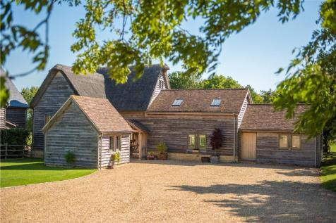 Old Milton Road, Thurleigh, Bedfordshire, MK44. 5 bedroom barn conversion for sale