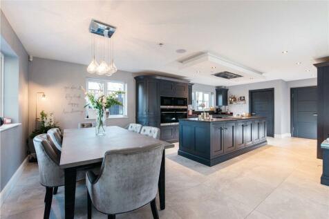 Day's Lane, Biddenham, Bedfordshire, MK40. 4 bedroom detached house for sale