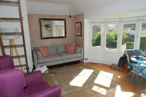 Kennington. 1 bedroom maisonette