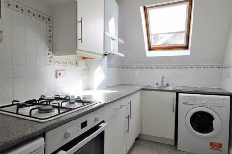 Gemma Court, Beckenham, BR3. 2 bedroom flat