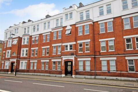 Graham Mansions, Hackney, E8. 3 bedroom flat