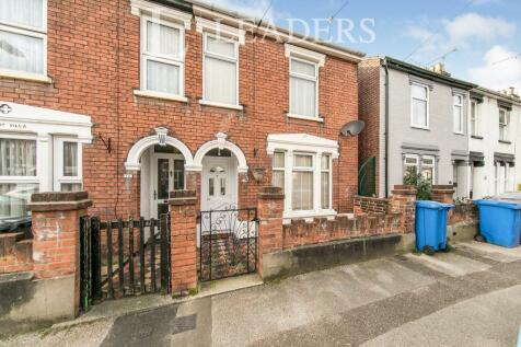 Cullingham Road. 3 bedroom end of terrace house